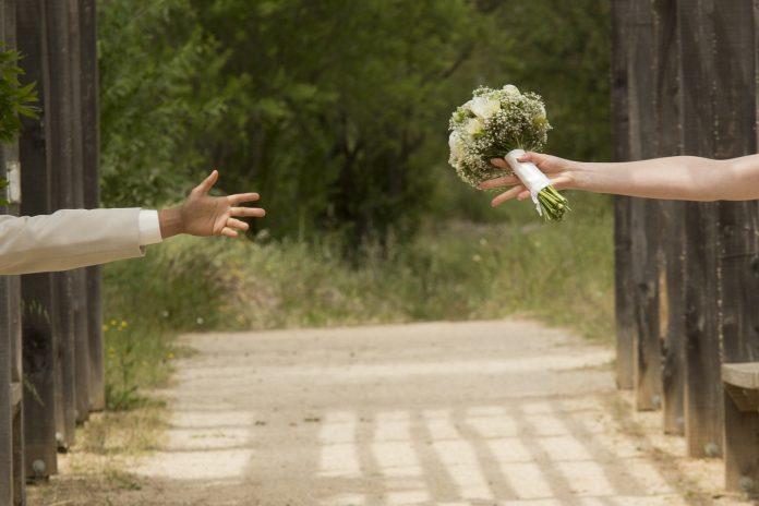 צילום חתונות – תנו חיוך, הצלם מתעד